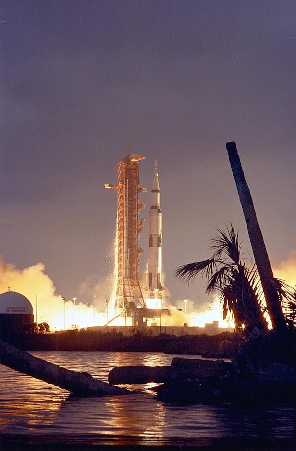 Apollo_14_Launch_-_GPN-2000-000633
